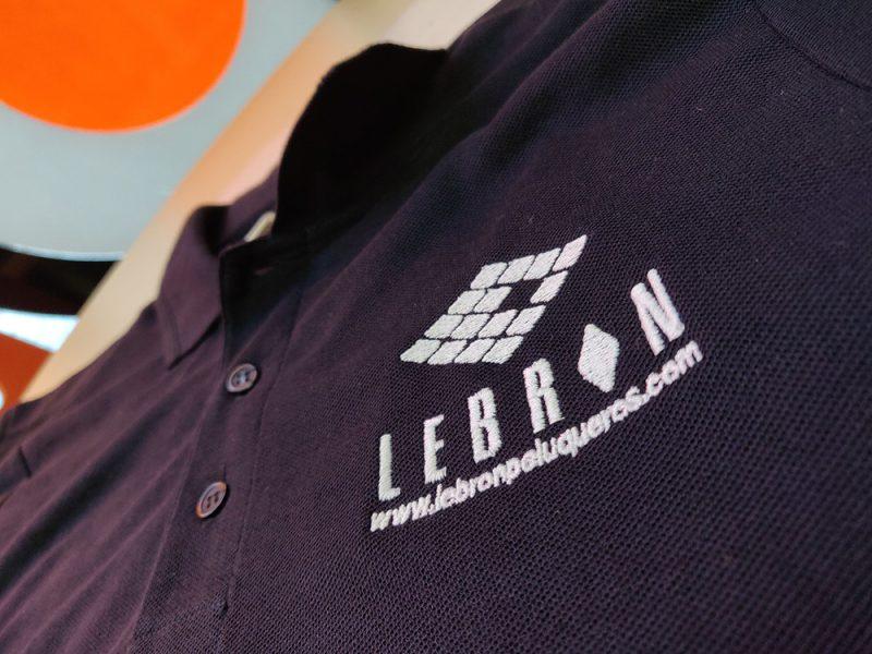Polos bordados para Lebron Peluqueros